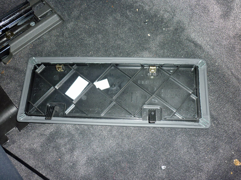Mercedes SL R230 rear stowage compartment cover