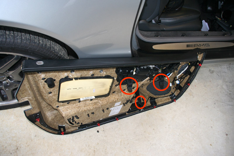 Mercedes R230 SL door card removed pictuer