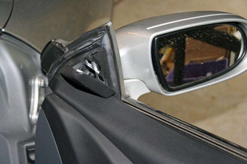 Mercedes SL door mirror triangle removal