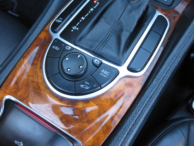 Mercedes SL R230 option 731 burled walnut trim picture